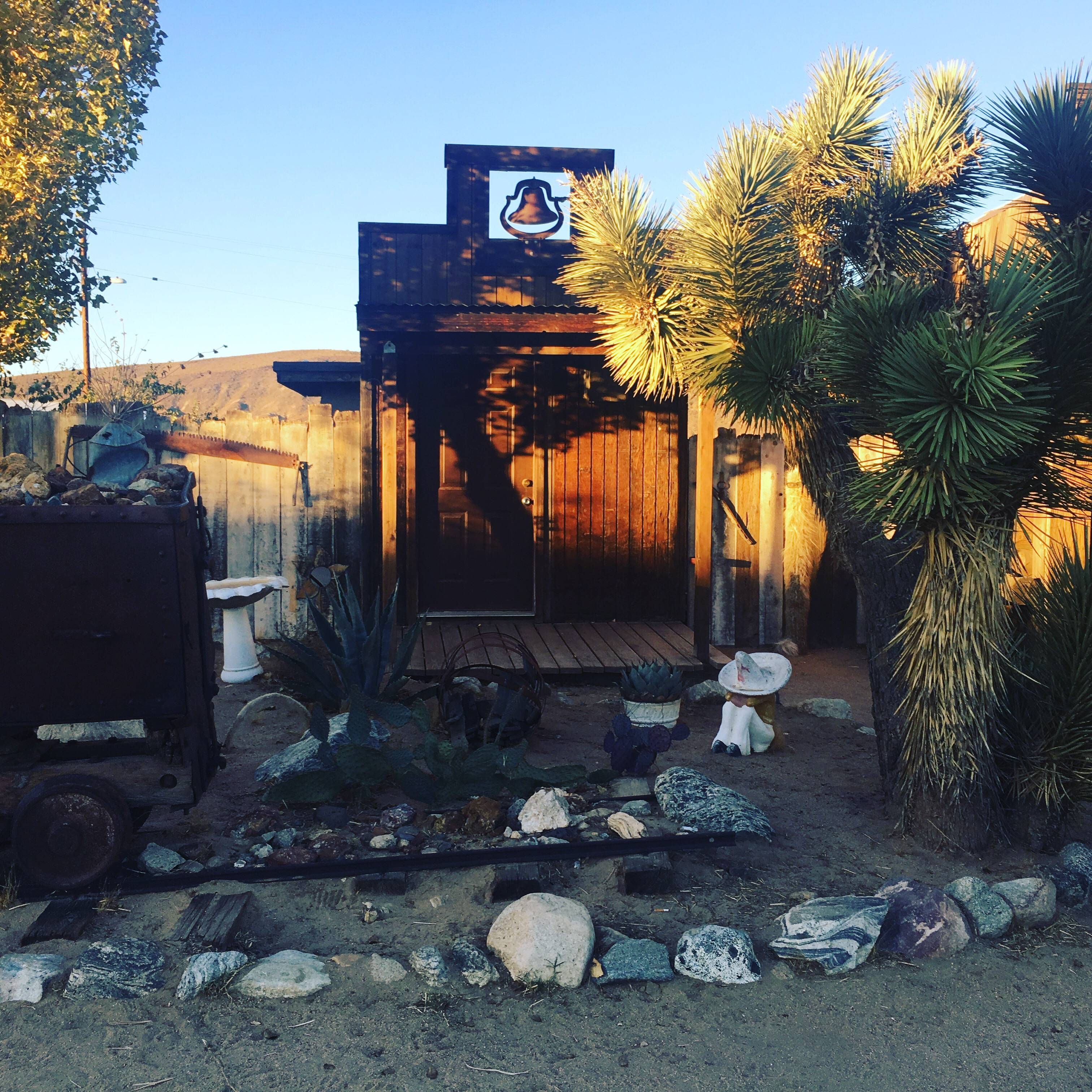 pioneertown singles & personals Bachman said cabello was dating the victim's daughter deputies called to skyline ranch road and pioneertown road in pioneertown found charles brown, 63, of yucca valley, dead in a sleeping bag inside a red nissan.